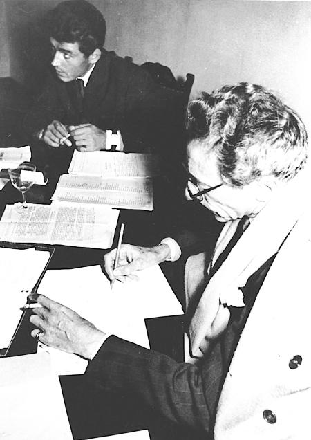Jean Cocteau et Édouard Dermit, Berlin 1951 © Annie Guédras