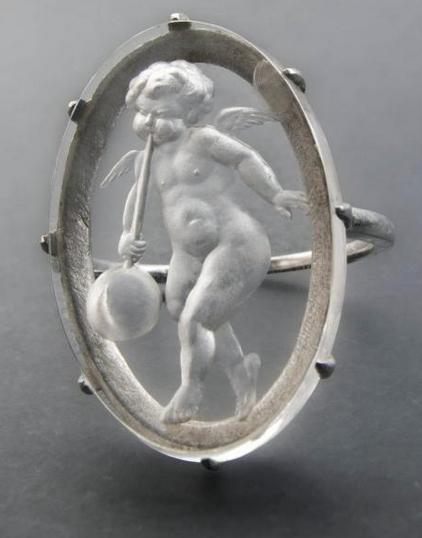 René Lalique -Bague Ange souffleur de verre, vers 1904-06 Musée Lalique, Wingen-sur-Moder