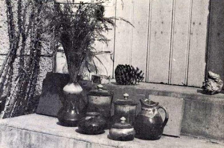 Poterie fantaisie d'Henri Talbot – 1934 (in «La Borne et ses potiers: Un village pas comme les autres» de Robert Chaton, Henri Talbot, Delayance Éditeur La Charité