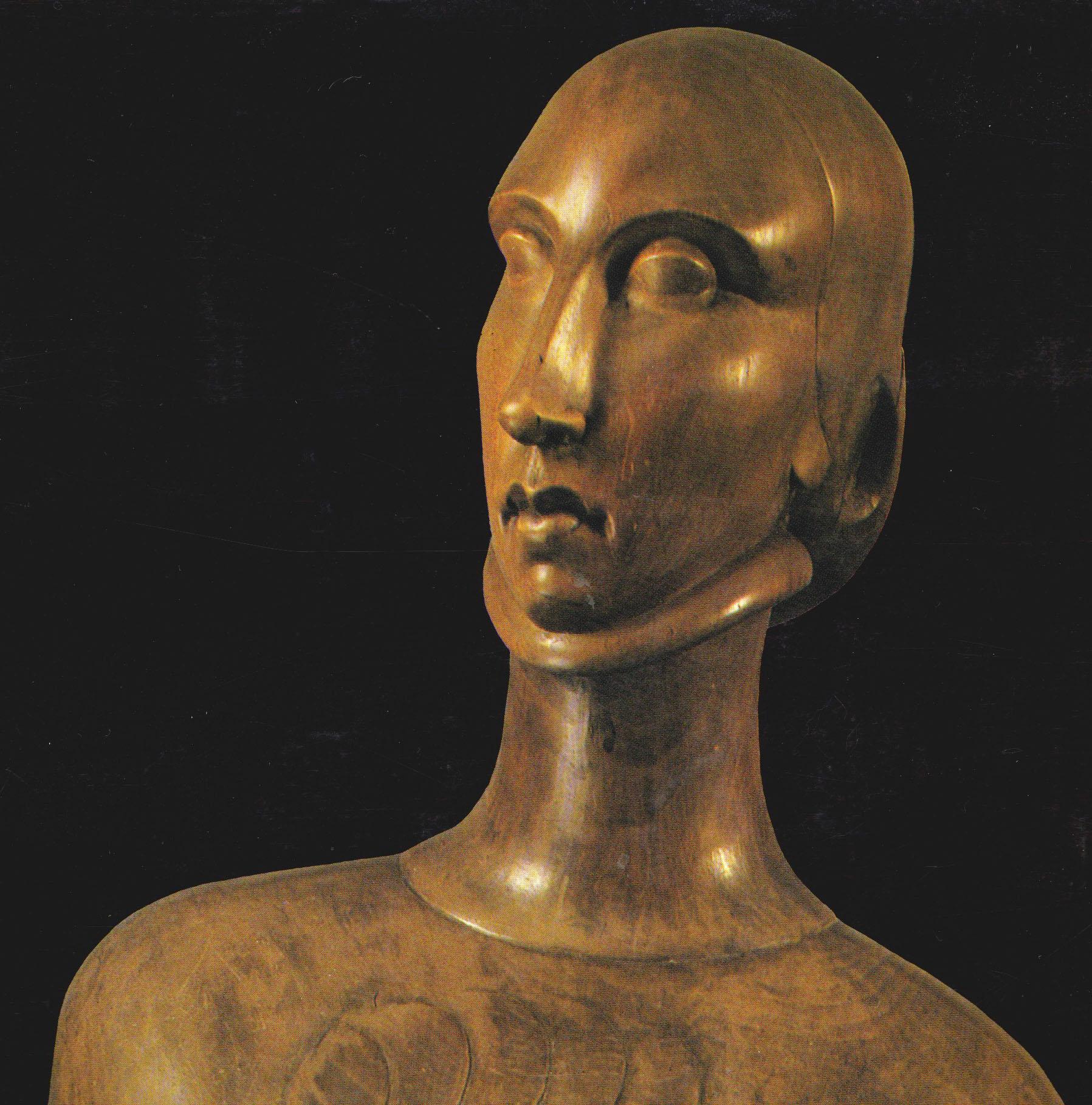 Dame à l'éventail 1920 - Bois sculpté poli, taille directe , 40x93x25cm (détail) © archives de l'expert