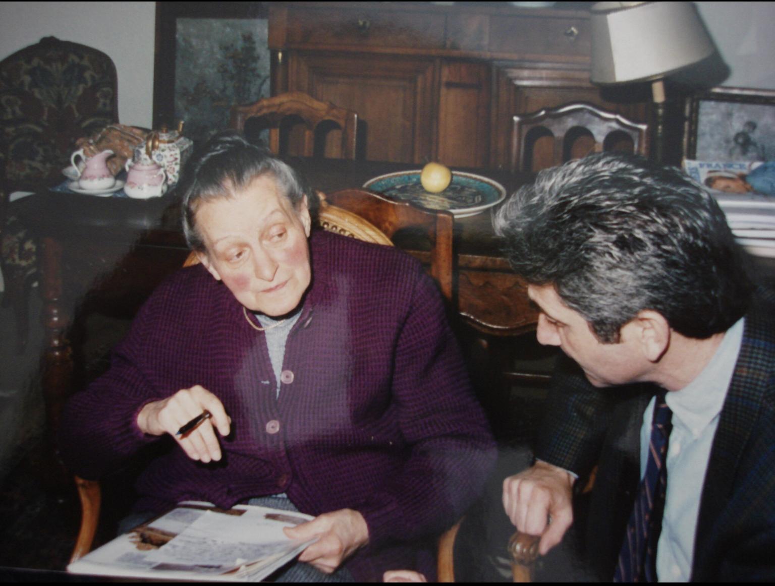 Jacques Boutersky et Madame Bando, veuve de l'artiste © Jacques Boutersky, Paris